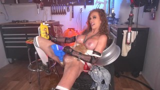 MILF Porn :Girl Fills Herself With Motor Oil And Fucks Herself With Tools Fucking HOT